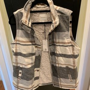 Thread and supply vest NWT